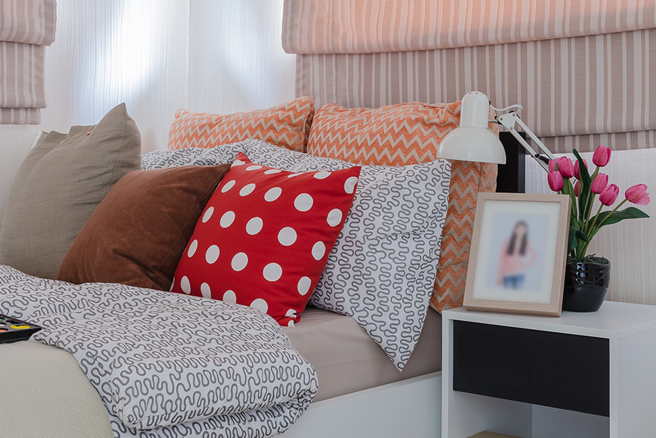 Application_textile-bed-covering-and-pillows