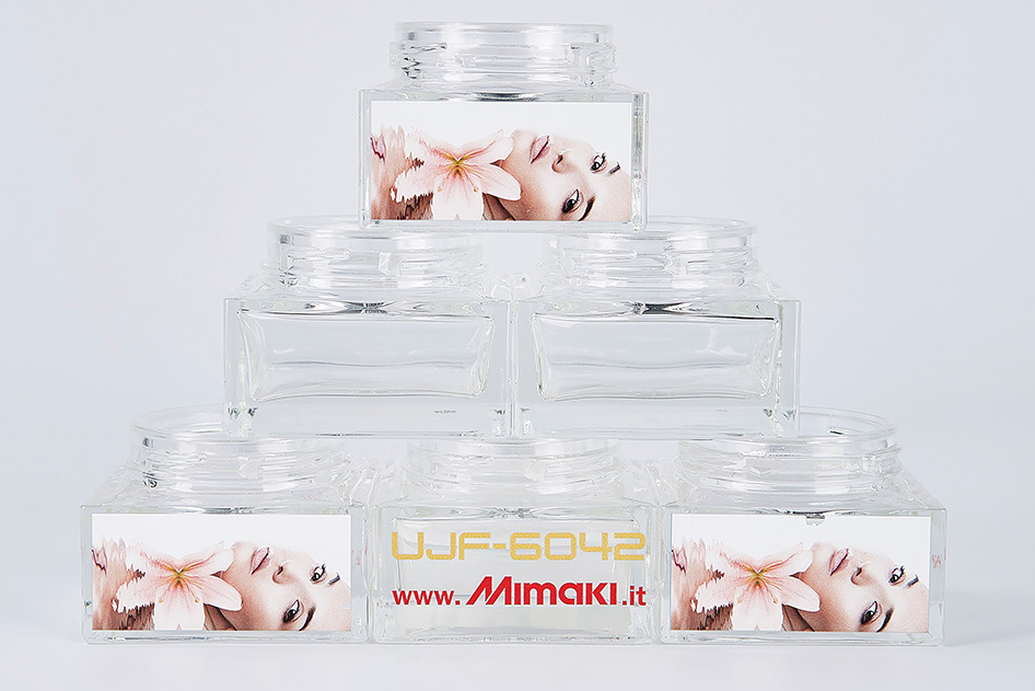 Application_cosmetics-jars